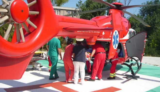 Foto: Elicopterul SMURD, misiune în satul Zorile
