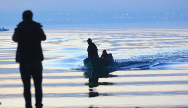 Foto: MAI: Supraviețuirea în apă la două grade Celsius, cât avea lacul Siutghiol, cel mult 20 de minute