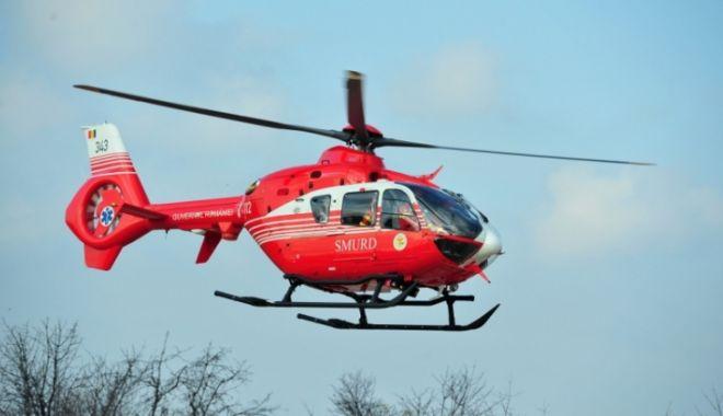 Foto: Accident rutier cu trei victime, între un TIR şi un autoturism. Intervine elicopterul SMURD