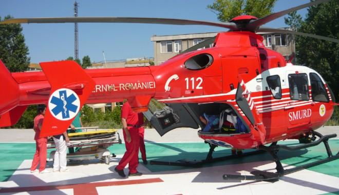 Foto: Elicopterul SMURD transportă la Bucureşti doar cazurile extrem de grave