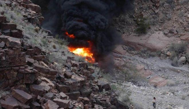 Foto: Elicopter cu turişti prăbuşit: Cel puţin trei persoane au murit