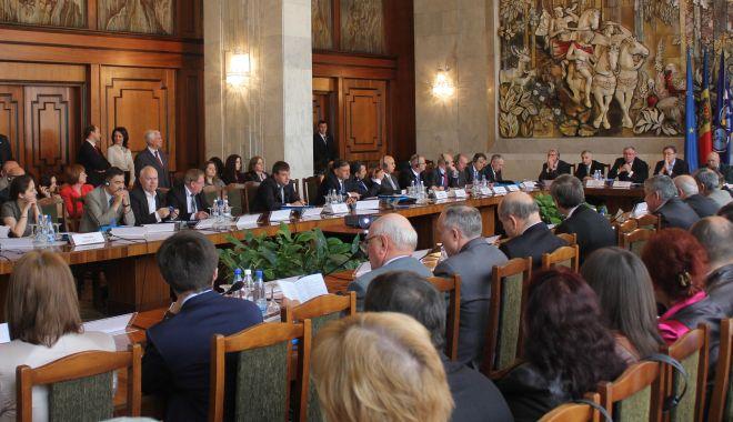 Elitele arbitrajului comercial și-au dat întâlnire în București - elitelearbitrajuluiconferinta-1559767143.jpg