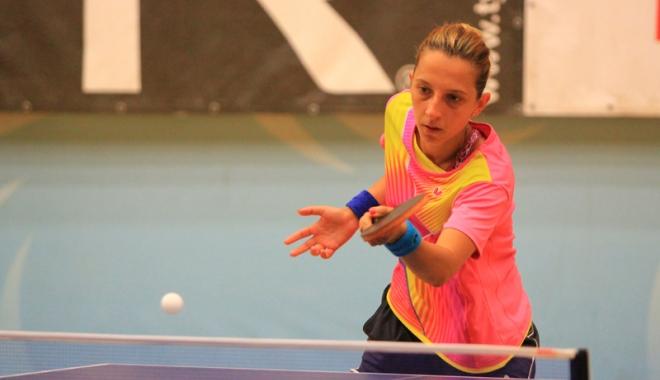 Foto: Eliza Samara trage echipa după ea la Europenele  de tenis de masă