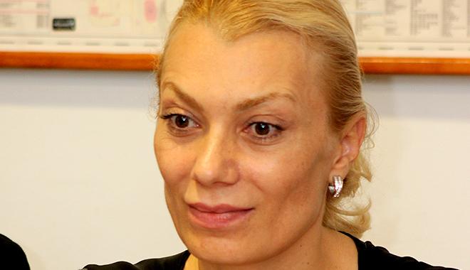 Ce reprezentante ale sexului frumos intră în lupta electorală din Constanţa - emanuelagavrila-1352885778.jpg