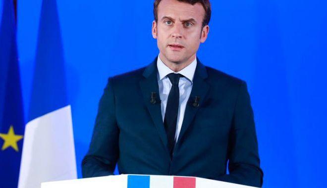 Emmanuel Macron îndeamnă la un dialog strategic cu Rusia - emmanuel-1575511403.jpg