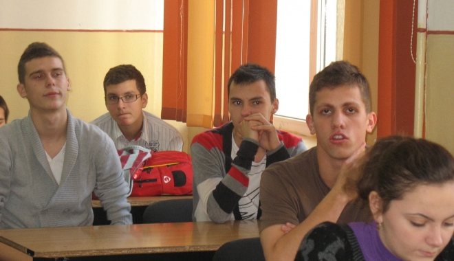 Foto: Emoţii şi nu prea pentru 1.500 de elevi