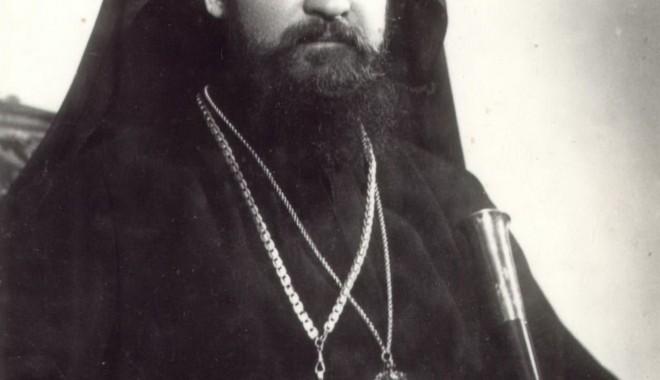 Foto: Pomenirea celui de-al treilea ierarh al Episcopiei Constanţei