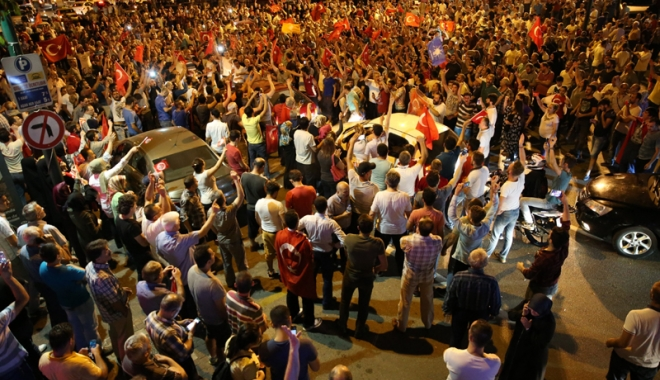 Foto: Coşmarul continuă! Un nou val de epurări în Turcia