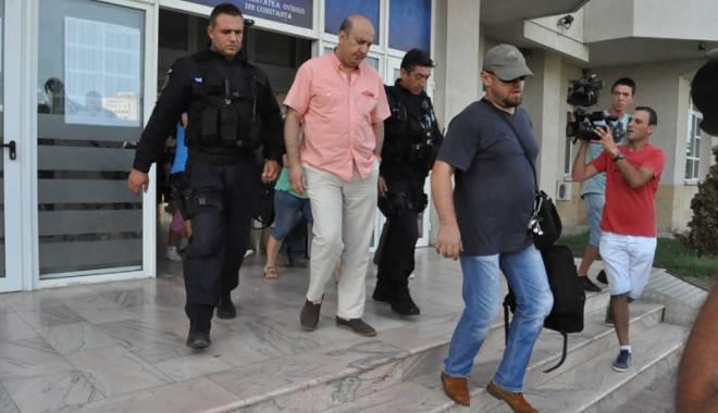 Foto: Fostul rector D�nu� Epure, condamnat definitiv  cu suspendare