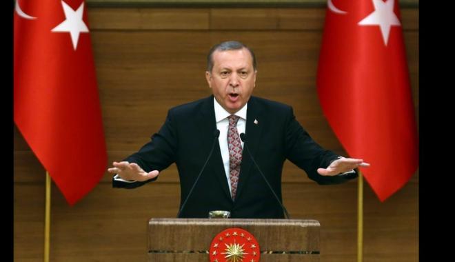 """Foto: Erdogan ameninţă să distrugă """"cuiburile"""" combatanţilor kurzi  în Siria"""
