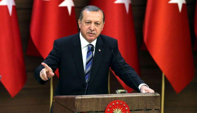 Foto: Erdogan anunţă că armata turcă va asedia oraşul sirian Afrin