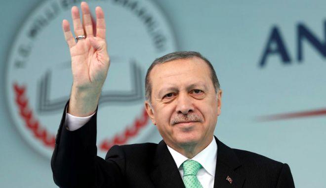 Foto: Erdogan l-a numit în funcţia de ministru al Finanţelor pe ginerele său