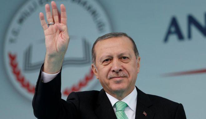 Foto: Erdogan afirmă că aprobă pedeapsa  cu moartea, Parlamentul  votează pentru aceasta