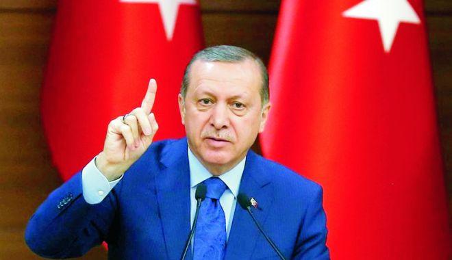 """Foto: Erdogan promite: """"Turcia nu va capitula în faţa SUA!"""""""