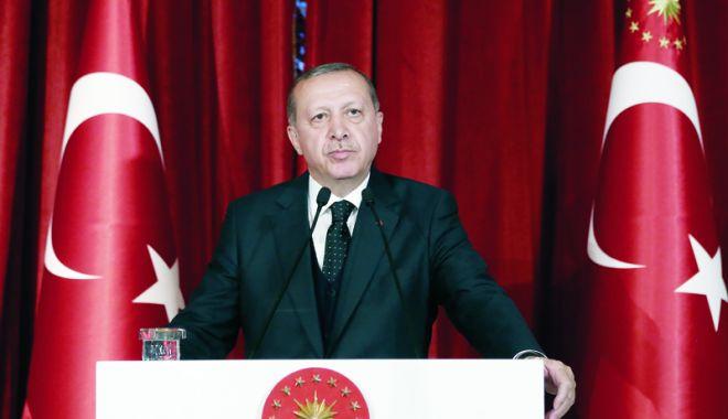 Foto: Erdogan face apel la unitate în fața atacurilor asupra independenței economice a Turciei