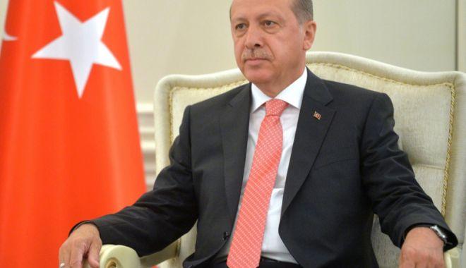 """Foto: Erdogan avertizează Austria cu privire la """"un război între Cruciaţi şi Semilună"""""""