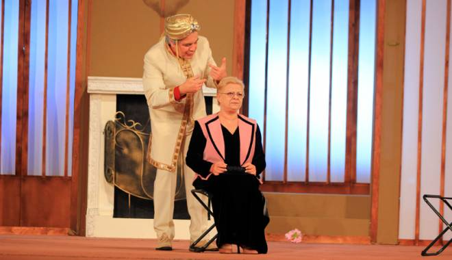 """Foto: """"Escrocii"""" revin  pe scena Teatrului de Stat"""