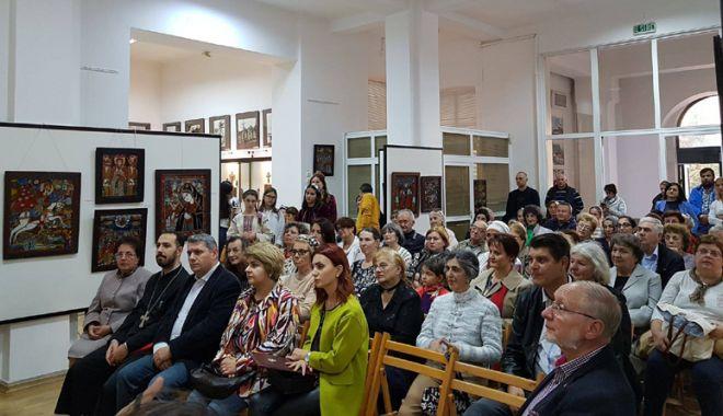 Mozaic multietnic dobrogean,  la Muzeul de Artă Populară Constanța - etnici2-1539702681.jpg