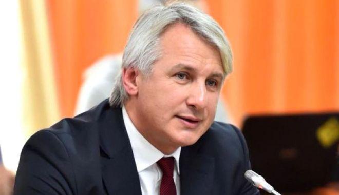 """Eugen Teodorovici: """"Taxa auto va fi restituită până la sfârșitul lunii mai"""" - eugenteodorovici-1557093729.jpg"""