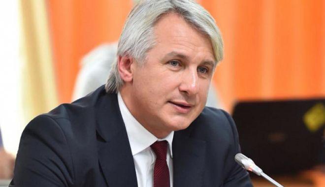 Foto: Ministrul Finanţelor: Vom discuta cu băncile pentru a scădea sau chiar pentru a elimina costurile de refinanţare
