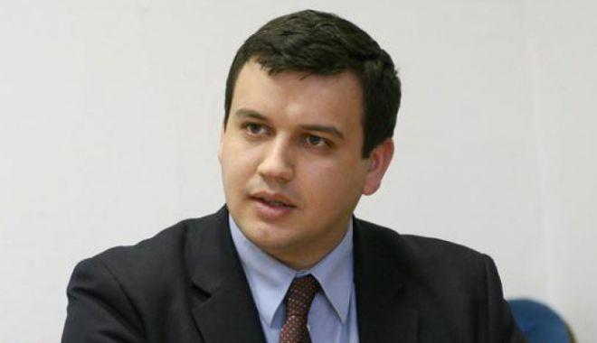 Foto: Eugen Tomac: Liviu Dragnea nu mai poate rămâne în fruntea Camerei Deputaţilor