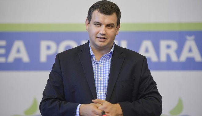 """Foto: Eugen Tomac, supărat de sondaje. """"Sunt atacuri murdare la adresa candidaților integri"""""""