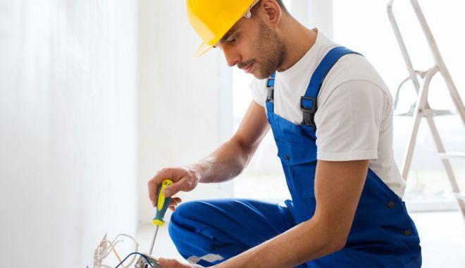 Joburi în străinătate. Se caută electricieni, sudori şi instalatori - eures1-1523801075.jpg