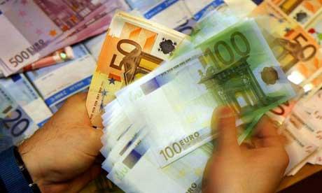 Foto: Nou minim istoric pentru leu, cursul atinge 4,5571 lei/euro