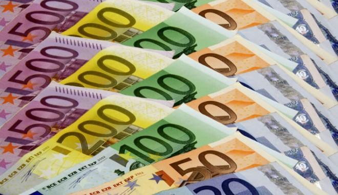 Foto: Moneda naţională s-a apreciat în raport cu euro