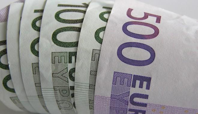 Foto: Un ajutor european pentru Cipru  ar favoriza banii murdari din Rusia