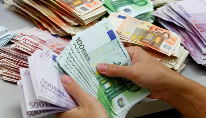 Foto: Jean-Claude Juncker propune introducerea salariului minim în Uniunea Europeană