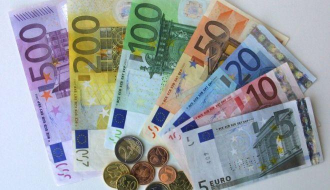Foto: Euro, nou record istoric: a depăşit pragul de 4,69 lei la cursul BNR