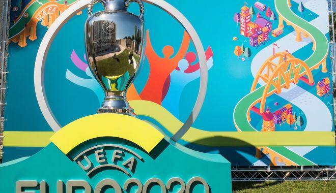 Foto: 500 de zile până la startul EURO 2020. Tinerii, invitaţi să se alăture echipei de voluntari