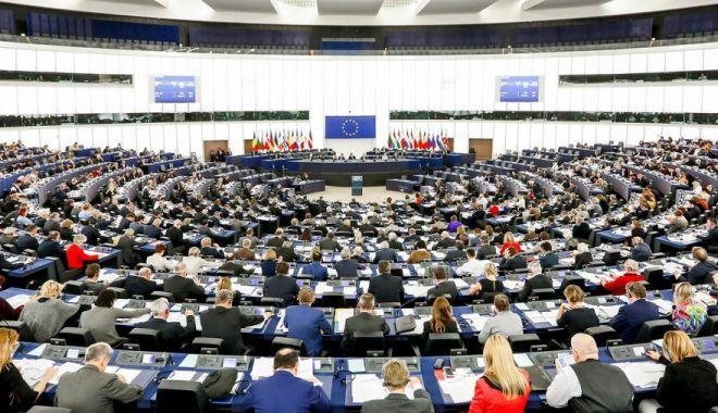 Foto: Lista candidaţilor PNL la europarlamentare, validată de BPN
