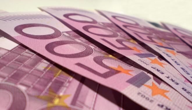Foto: Euro se ţine bine!