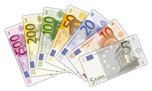 Foto: Euro continuă să scadă în raport cu leul, pe interbancar
