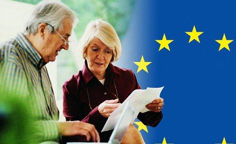 Foto: Europarlamentarii cer reducerea diferenţei dintre pensiile femeilor şi bărbaţilor