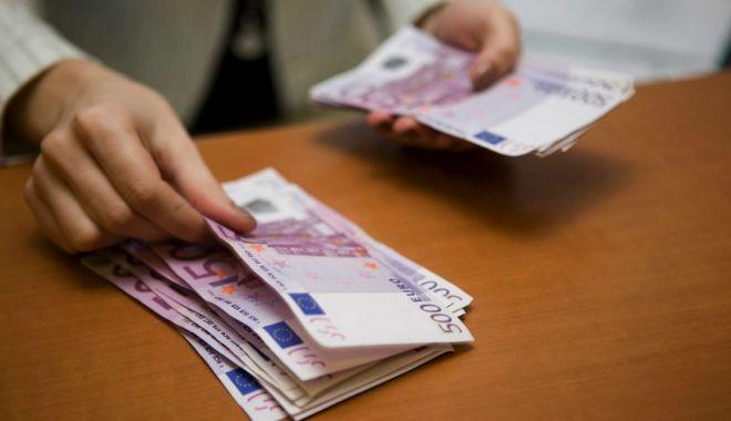 Foto: Prăbuşirea leului, de neoprit! Euro a doborât un nou record