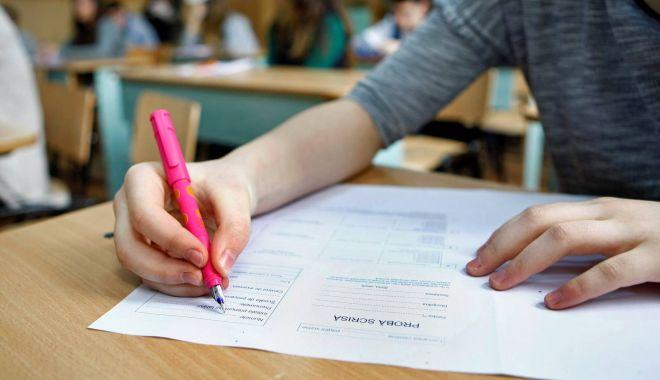 Sesiunea specială a Evaluării Naționale continuă cu proba la matematică - evaluare-1593497531.jpg