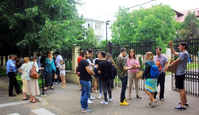 Foto: Evaluare Naţională 2017! Astăzi, puntea suspinelor: proba la limba şi literatura română