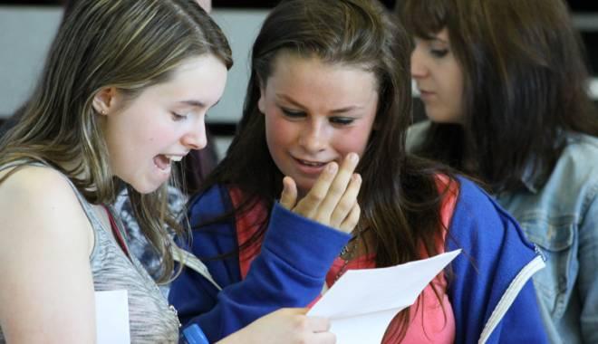 Elevii și părinții, în stare de șoc: Examen de admitere la liceu. Directorii salută inițiativa - examenrezultate-1430057618.jpg