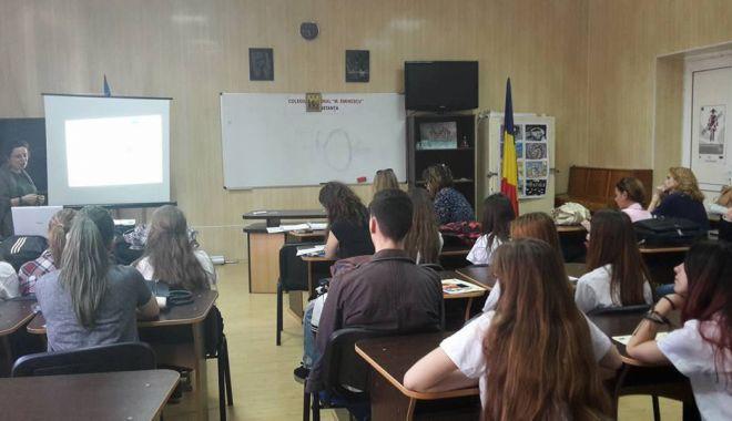 """Foto: Excelență  în educație  pentru Colegiul Național """"Mihai Eminescu"""""""