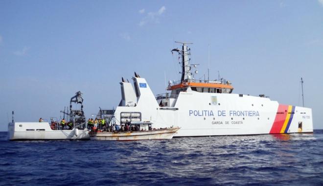 Foto: Exerciţiu româno-bulgar, desfăşurat  în apele  Mării Negre