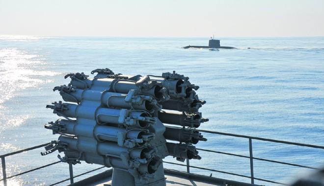 Foto: Exerciţiu multinaţional de luptă antisubmarin, în Marea Mediterană