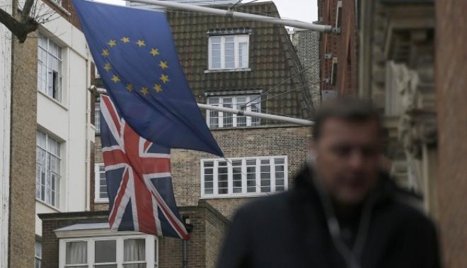 Foto: Veşti bune pentru românii din Marea Britanie