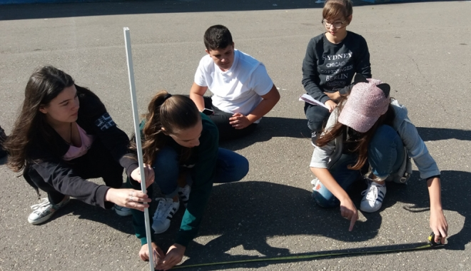 Foto: Experimente internaţionale, la Şcoala Gimnazială nr. 7 din Constanţa