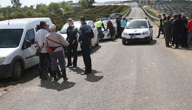 Foto: Exploatarea românilor plecaţi la muncă în Spania, verificată de poliţişti