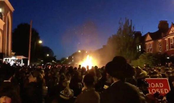 Foto: Explozie la Londra cu ocazia unei sărbători evreieşti. Zeci de persoane au fost rănite, majoritatea copii