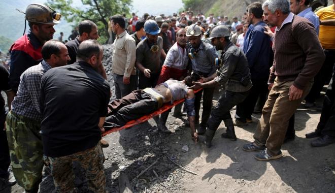 Foto: Explozie la o mină  de cărbune din Iran.  Bilanţul creşte la 35 de morţi