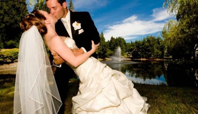 Foto: Explozie de… căsătorii!